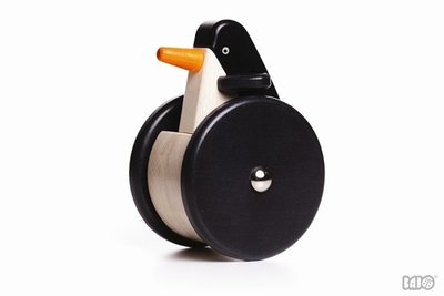 BAJO - Wobbling Penguin